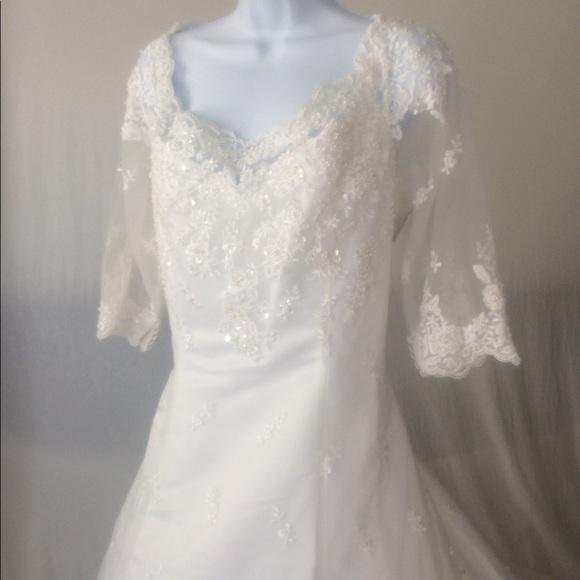 Dresses | Sale Davids Bridal Wedding Gowndress Size 20 | Poshmark